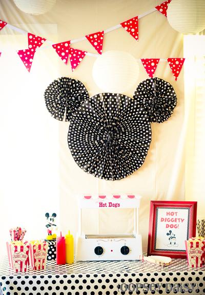 Mickey-party_mickey-backdrop-1