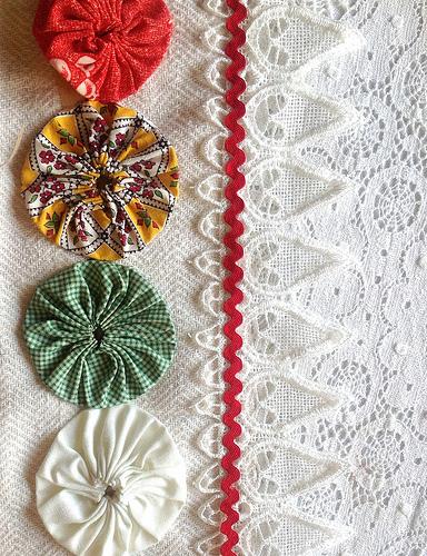 Yo-yo's,lace trim and ric-rac